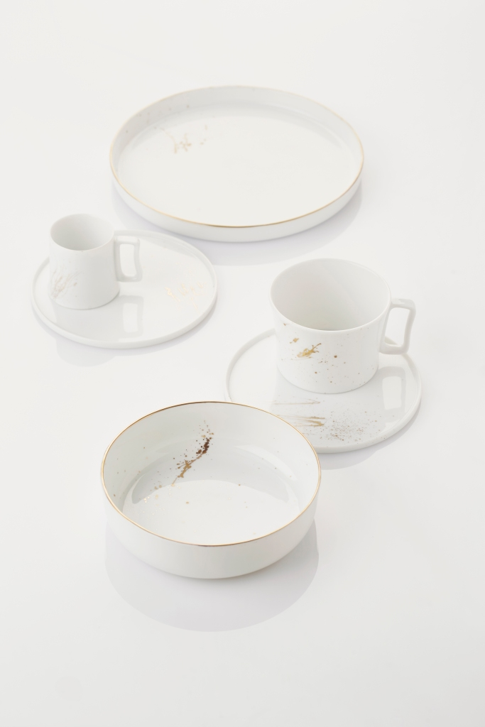 le-meurice-disk-dishes-round-white-oro_2015_pieter-stockmans_org